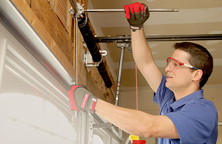 Garage Door Repair Services in Marina del Rey