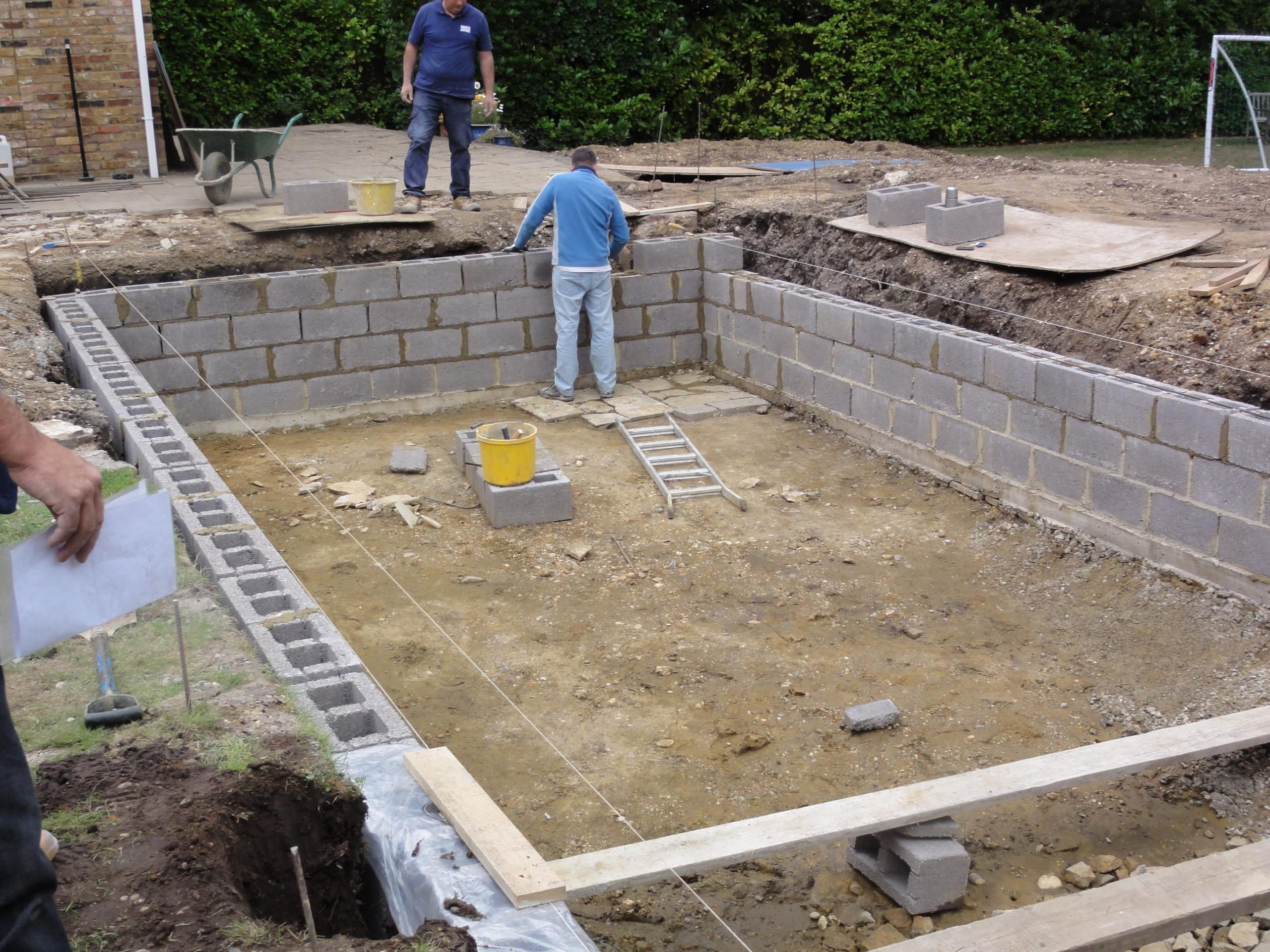 How is a Swimming Pool Constructed?